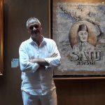 Pascal Hierholz - Seniman Perancis dengan lukisannya di media Karung Goni - Dewi Divianta